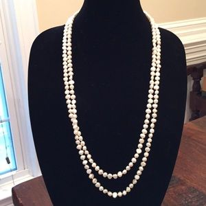 Jewelry - Long knotted strand